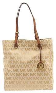 Michael Kors Mk Jet Set Monogram Large Tote in Beige