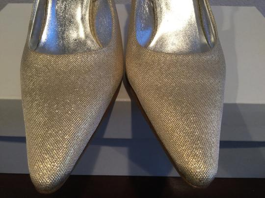 Dolce&Gabbana Flakes Lining Made NEW REDUCTION $30 OFF NEW Gold fabric with leather shimmering slingback Italian E36 Pumps