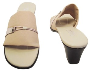 Munro American Sandal Stretchy Leather Stretch Fabric Beige Mules