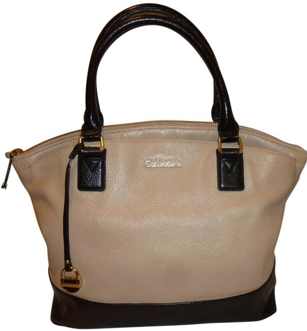 Item - Cream and Black Leather Hobo Bag