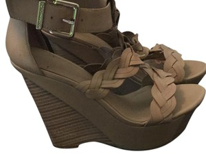 BCBGeneration Nude/beige Wedges