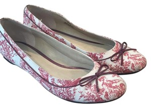 Talbots Maroon and white print. Flats