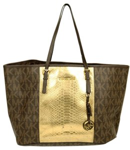 Michael Kors Hang Tag Mk Tote in Brown & Gold