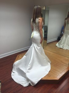 Allure Bridals Allure 9252 Wedding Dress