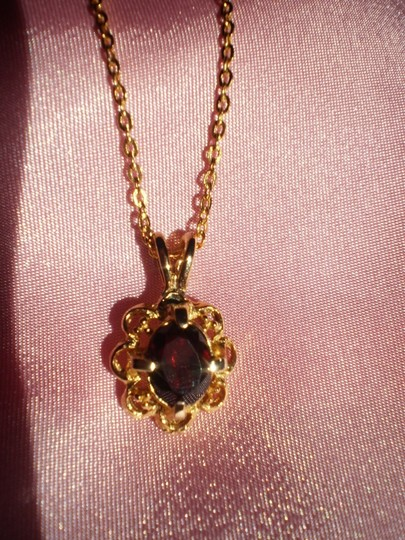 Other Like new garnet necklace