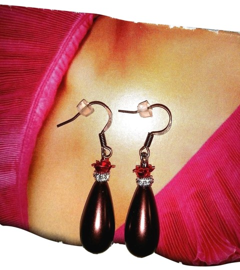 Preload https://item4.tradesy.com/images/other-new-artisan-artsy-dangle-earrings-brown-red-rose-bronze-hook-gift-box-1753848-0-1.jpg?width=440&height=440