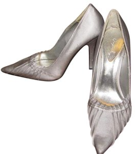 Qupid 3 Inch Heel Silver/Grey Pumps