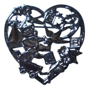 Like new 'New Baby' Heart brooch pin