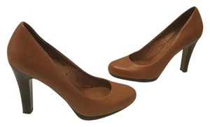 Halogen Lining Brown leather Pumps