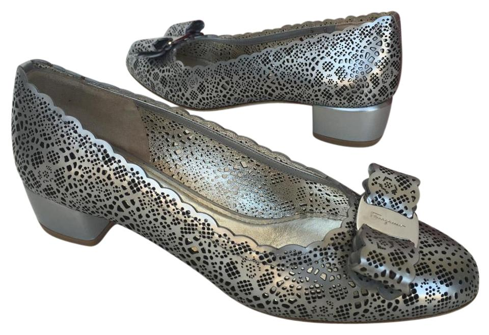 Salvatore Ferragamo Pumps Silver Vera Cutout Bow Pumps Ferragamo 26313a