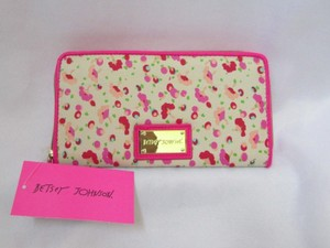 Betsey Johnson BETSEY JOHNSON PINK FLOWER WALLET New