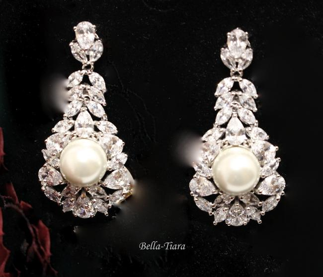 Item - Silver and Pearl Royal Collection - Luxurious Cz Earrings