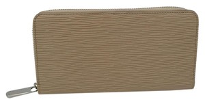 Louis Vuitton Louis Vuitton Beige Epi Leather Zippy Wallet