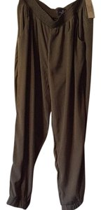 American Eagle Outfitters Capri/Cropped Pants Olive green