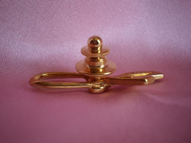 Avon Like New Breast Cancer Pin Avon Like New Breast Cancer Pin Image 3