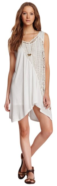 Preload https://item2.tradesy.com/images/monoreno-layered-crochet-knit-off-white-knee-length-short-casual-dress-size-12-l-1755866-0-0.jpg?width=400&height=650