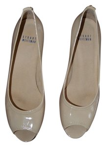 Stuart Weitzman patent leather beige Pumps