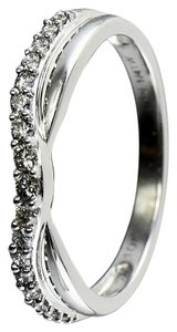 Diamond ladies ring 0.17 carat total weight ladies ring.