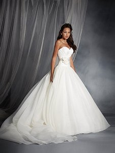 Alfred Angelo Disney Collection Snow White Style 250 Wedding Dress
