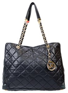 Michael Kors Susannah Mk Quilted Tote in Black