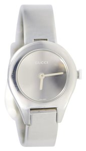 Gucci Silver Dial 6700L Stainless Quartz Silver Women Watch