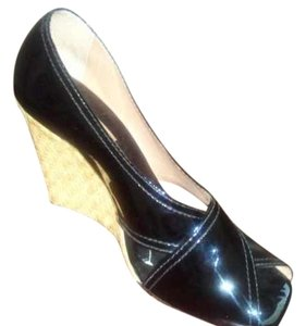 BCBGMAXAZRIA Classy Patent Leather Black Wedges