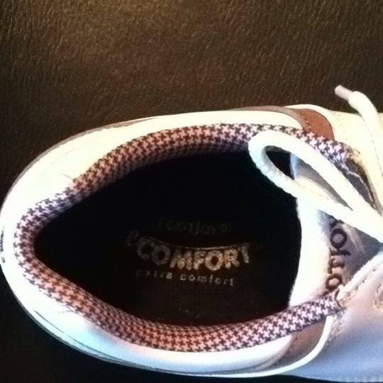 FootJoy White With Brown Trim Athletic