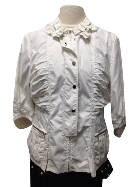 Preload https://item1.tradesy.com/images/tahari-off-white-jacket-blouse-button-down-shirt-1758255-0-0.jpg?width=400&height=650
