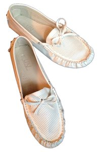 Unsensored Cream Flats