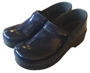 Dansko Professional Leather Size 41 10.5 11 Navy Blue Mules