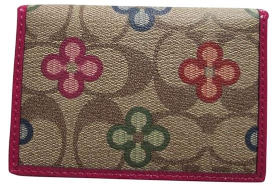 Preload https://img-static.tradesy.com/item/175968/coach-multicolor-peyton-clover-mini-wallet-0-0-540-540.jpg