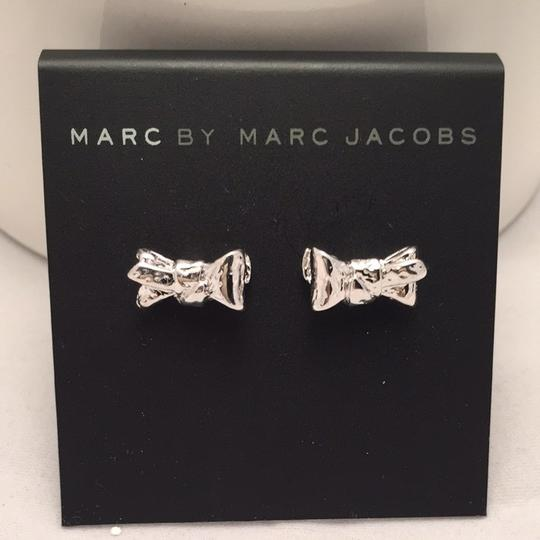 Preload https://item5.tradesy.com/images/marc-by-marc-jacobs-marc-by-marc-jacobs-tiny-bow-argento-earrings-1760144-0-0.jpg?width=440&height=440
