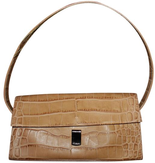 Preload https://item2.tradesy.com/images/furla-clutch-small-purse-made-in-italy-brown-leather-shoulder-bag-1760496-0-0.jpg?width=440&height=440