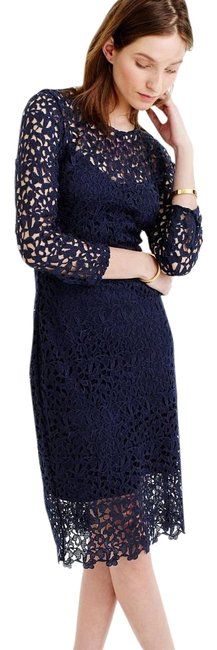 Item - Navy Collection Lace Sheath Mid-length Cocktail Dress Size 00 (XXS)