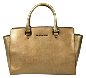 Michael Kors Selma Leather Metallic Mk Tote in Gold
