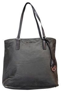 Michael Kors Morgan Nylon Mk Tote in Gray