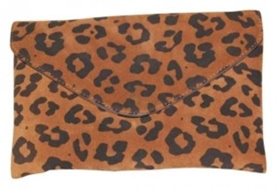 Preload https://img-static.tradesy.com/item/176145/jcrew-night-out-date-night-gold-hardware-exclusive-cheetah-print-suede-clutch-0-0-540-540.jpg