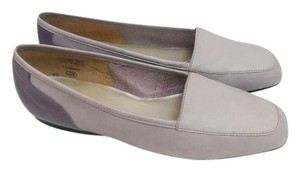 Enzo Angiolini All Leather Soft Comfortable periwincle Flats