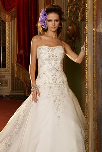Eve Of Milady 1400 Silk Organza Ivory Embroidery Beading Full Strapless Eve Milady Wedding Dress
