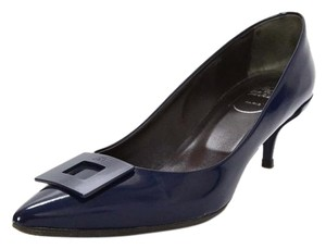 Roger Vivier Pointed Toes Kitten Hees navy Pumps