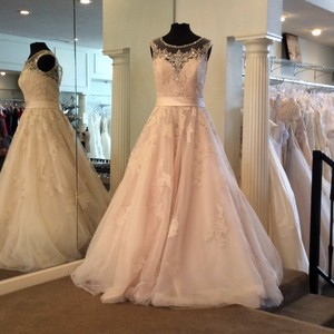 Allure Bridals Champagne and Silver Lace Tulle Formal Wedding Dress Size 10 (M)