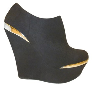 Shi by JOURNEYS Nst Black Wedges