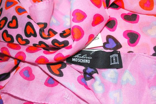 Moschino NWT MOSCHINO ITALY PINK HEARTS LONG WARM CUTE SPRING WONTER SCARF