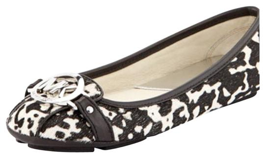 Preload https://item1.tradesy.com/images/michael-by-michael-kors-blackwhite-flats-1762650-0-0.jpg?width=440&height=440