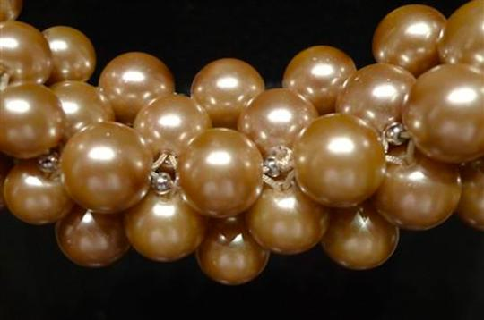 Appartement a Louer Appartement a Louer Perfecto Champagne Pearl Long Strand Necklace Image 1
