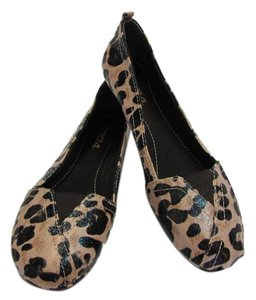 Soda Blu Animal Design Size 8.50 M Very Good Condition Neutral, Dark Brown Flats