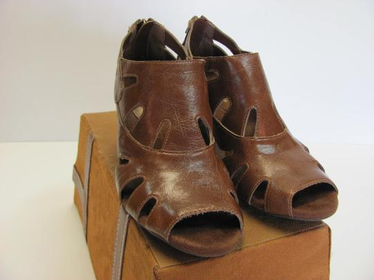 Aerosoles Size 6.50 M Very Good Condition Brown Boots Image 2