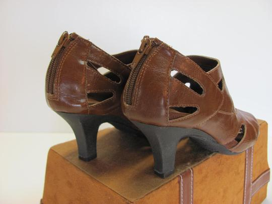 Aerosoles Size 6.50 M Very Good Condition Brown Boots Image 4