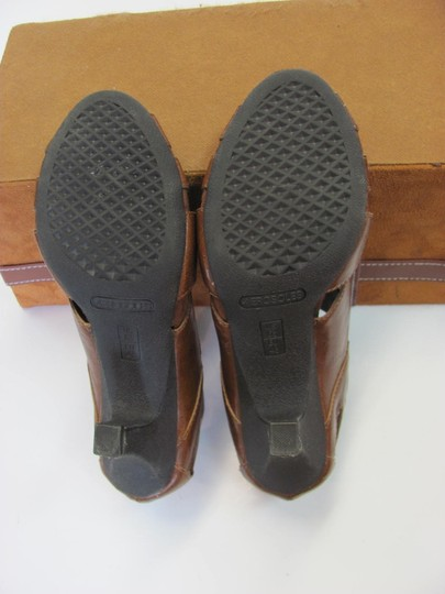 Aerosoles Size 6.50 M Very Good Condition Brown Boots Image 5