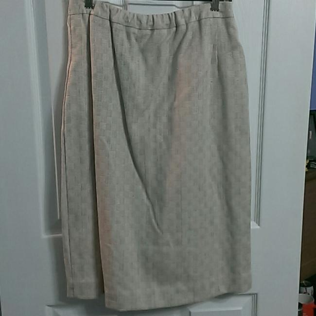 Vinci Clothiers Beautiful and Professional Skirt/Jacket Set-Cream Colored with Hints of Teal, Pink, Coral, and Brown Image 3